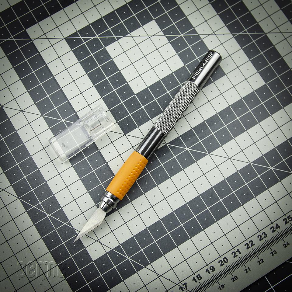 papīra nazis - skalpelis